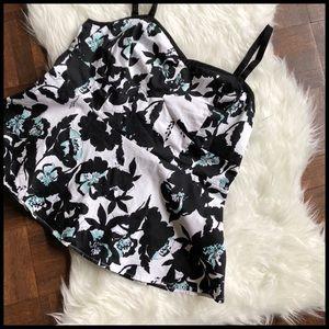 Torrid Sz 2/2X Sleeveless Top Black White Floral